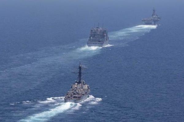 آمریکا تمرین شبیه سازی مقابله با قایق های تندرو برگزار کرد