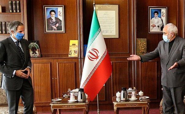 ظریف با مدیرکل آژانس بین المللی انرژی اتمی ملاقات کرد