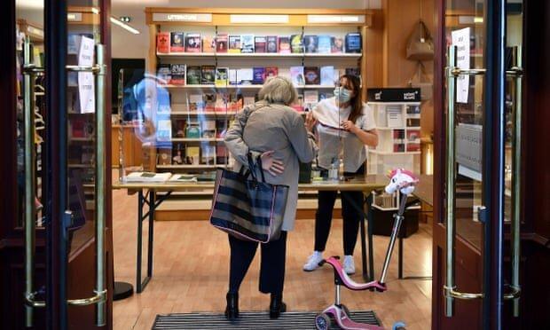 کوشش کتاب فروشی های فرانسه برای تعطیل نشدن