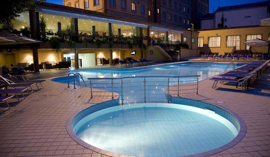 اقامت درلوکس ترین هتل های ایروان، ارمنستان