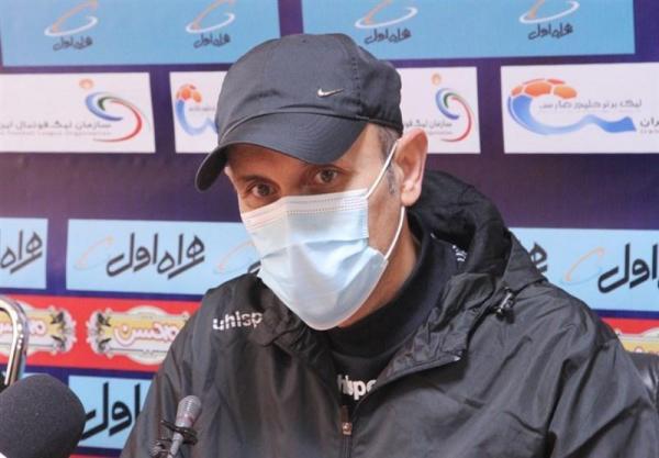 گل محمدی: هر تیم دیگری جای پرسپولیس بود از هم می پاشید، شانس کمی برای بخشش آل کثیر داریم