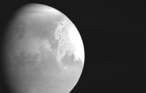 کاوشگر تیان ون-1 چین نخستین تصاویرش از مریخ را منتشر کرد