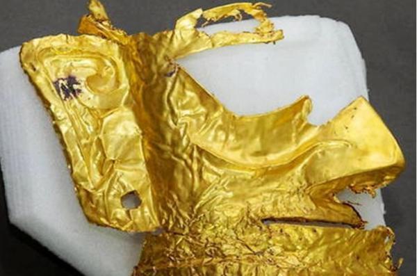 عکس ماسک طلای سه هزار ساله در چین