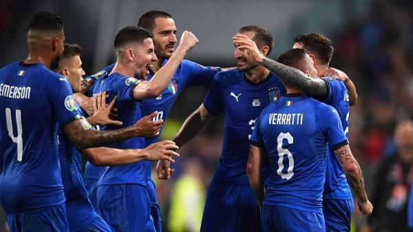 ایتالیا 4 ، جمهوری چک صفر، پیروزی پرگل آتزوری مقابل شاگردان وربا