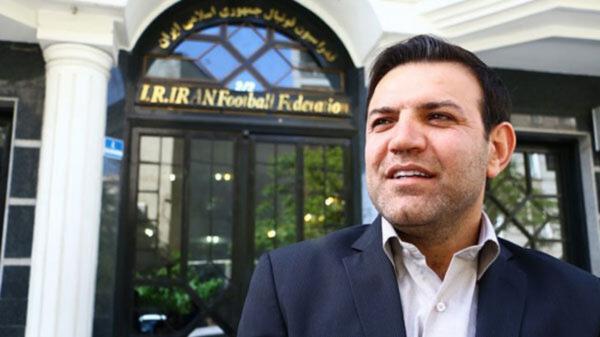 عزیزی خادم: این سکوت در حمایت از تیم ملی فوتبال عجیب است